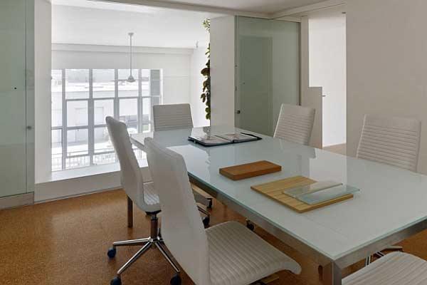 มาดูห้องประชุมสีขาวสวย ๆ